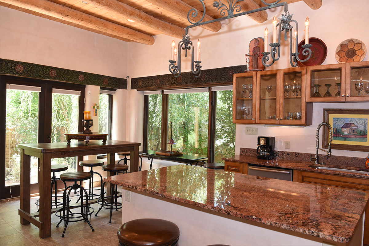 Taos Villas-NM9-kitchen-and-dining