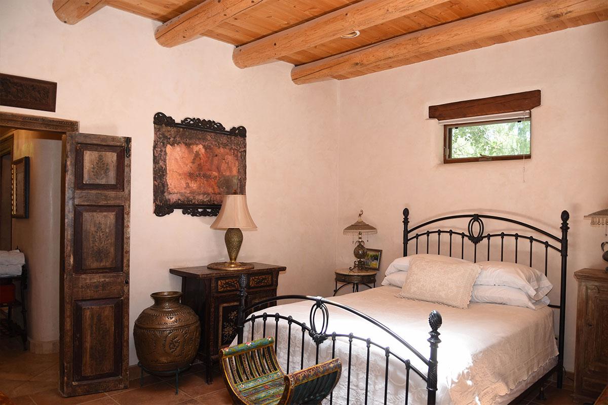 Taos Villas-NM2-Master-bedroom