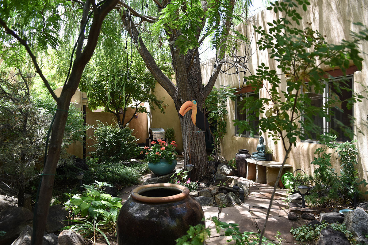 Taos Villas-NM2-garden-patio