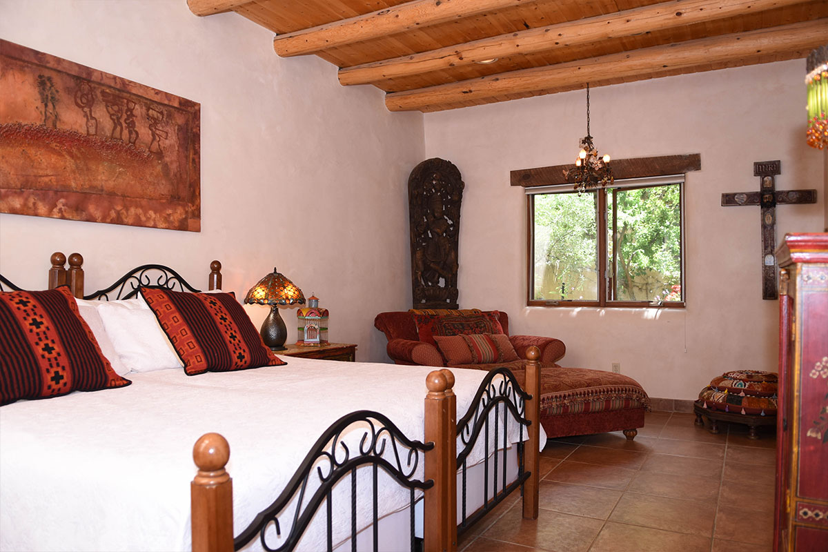 Taos Villas-NM2-second-bedroom-sitting-area