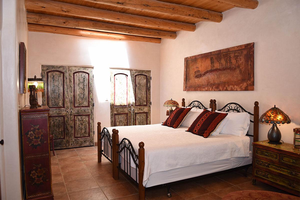 Taos Villas-NM2-second-bedroom